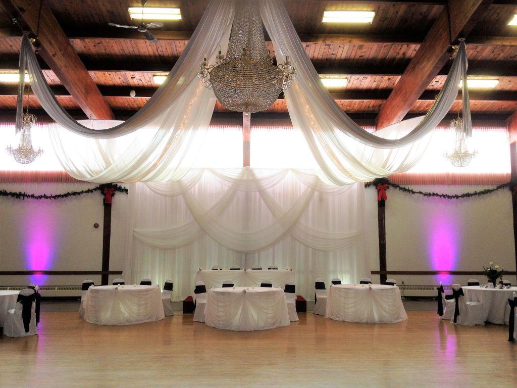 Grand Elegance Backdrop all White Sheer, General Sikorski Hall