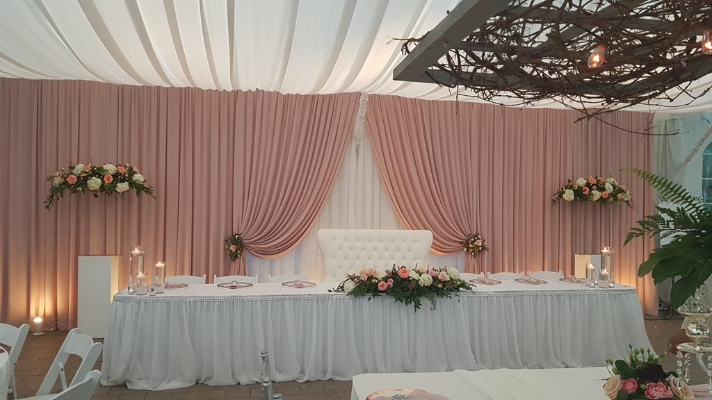 Blush 30' Window-Style backdrop