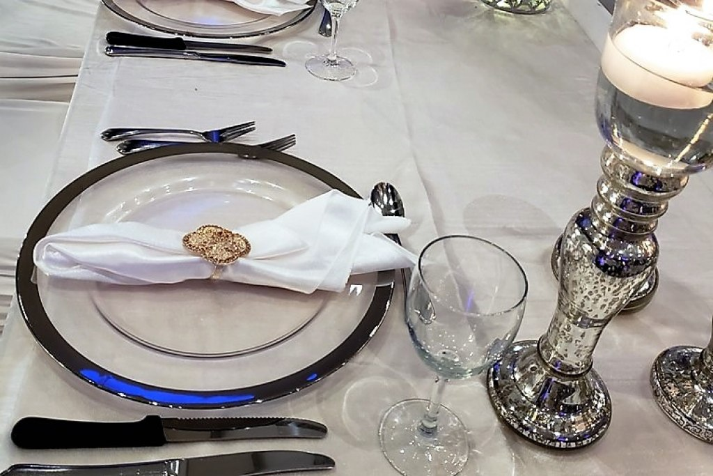 Silver Band Glass Chargers with Rose Gold Napkin Ring