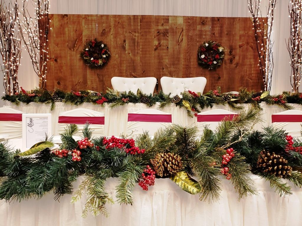 Holiday Head Table Decor