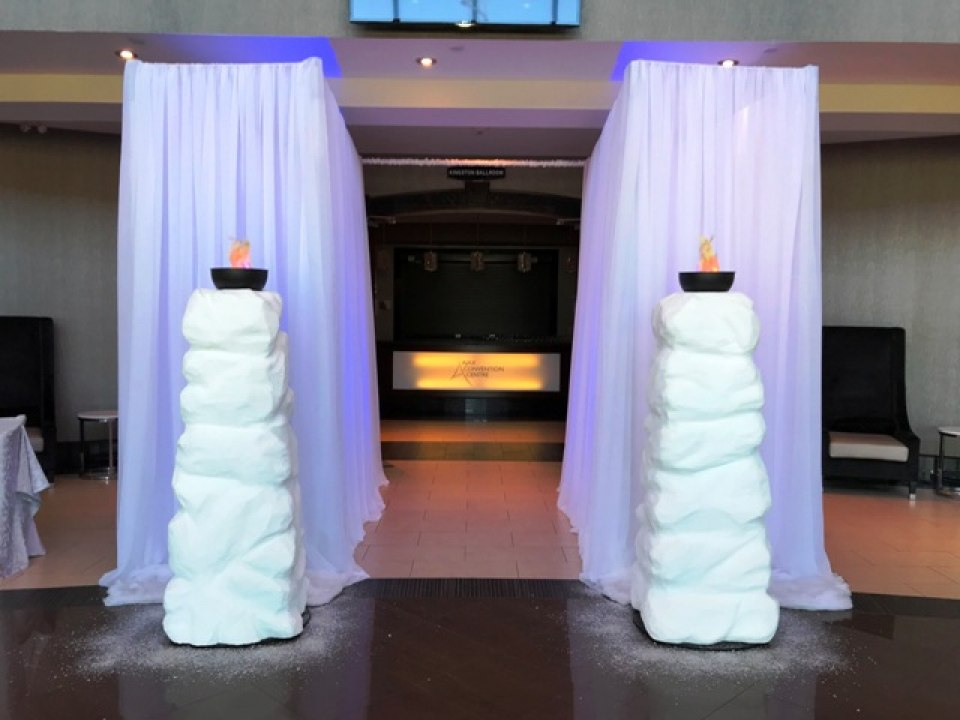 Snow Columns and Fire Bowls for rent