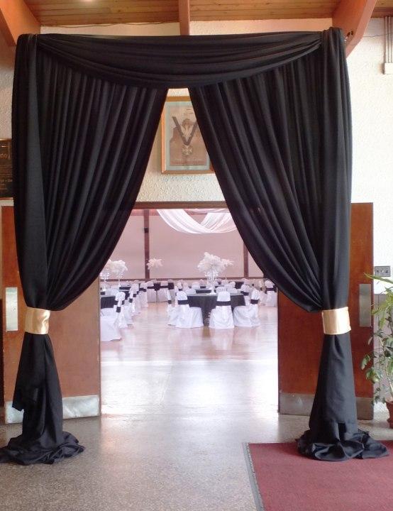 Great Gatsby Entranceway