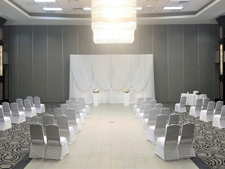 Micro-Ceremony Anabelle Backdrop & Pedestal rental