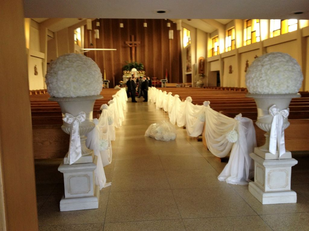 Stone Urns & Pedestals with Ivory Rose Balls & Ivory Sash Tie