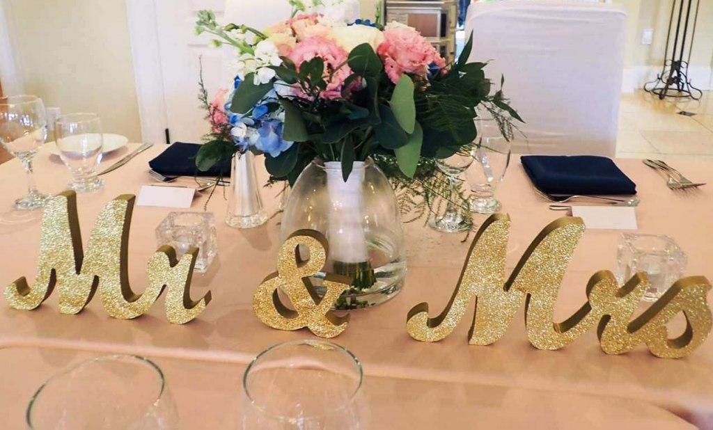 Mr. & Mrs. Gold Table Signs for rent
