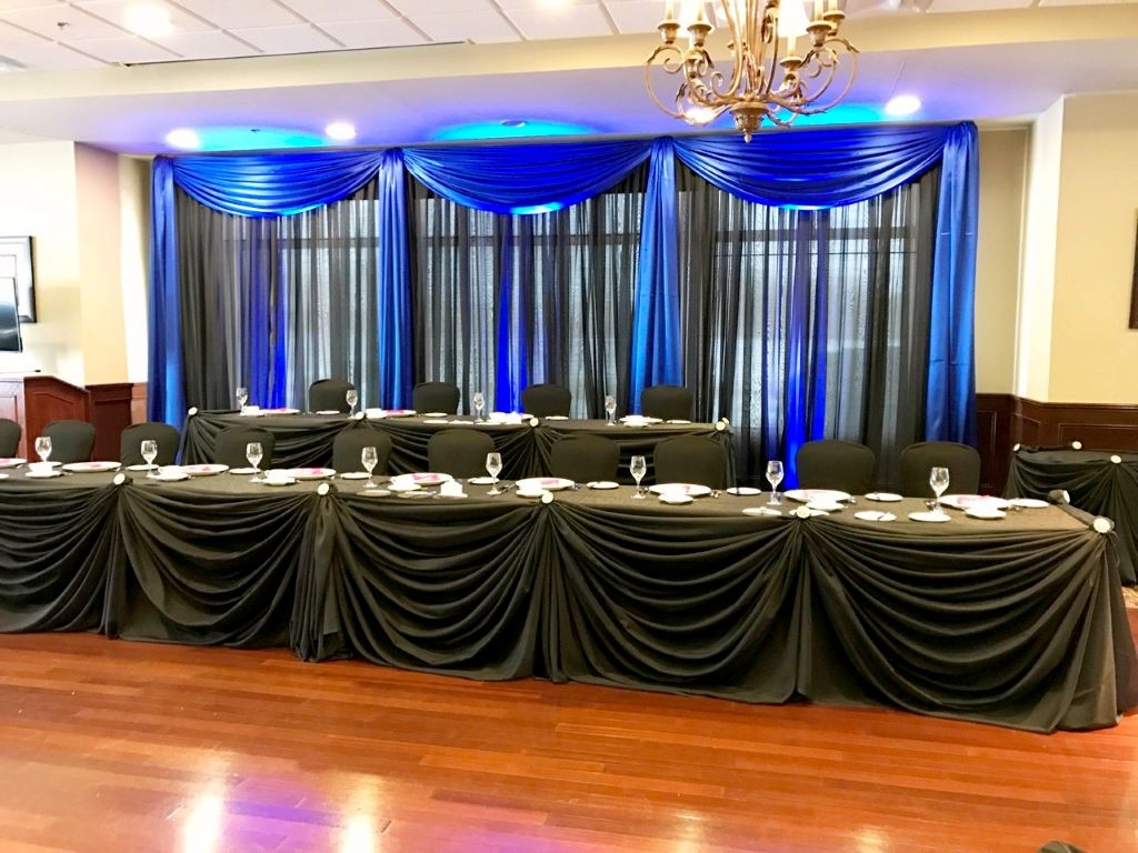 Traditional Sheer Head Table Decor In Black