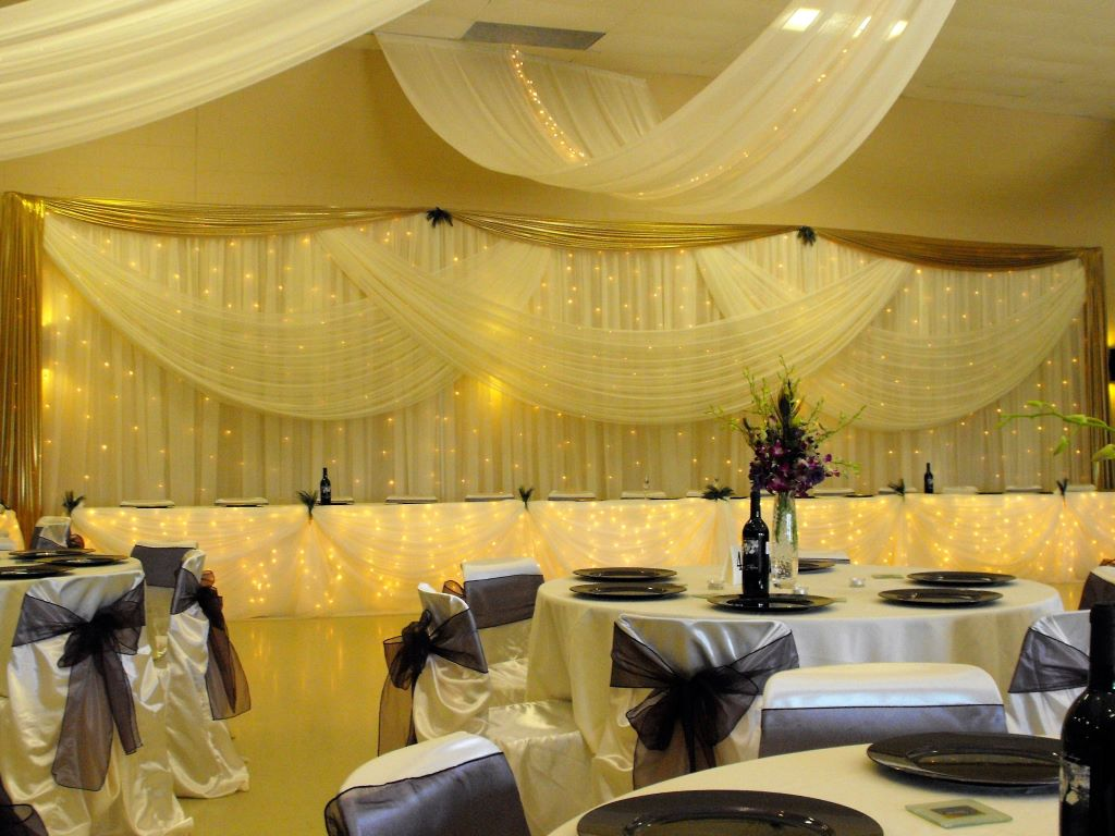 Traditional Sheer with Fairy Lights Head Table Decor