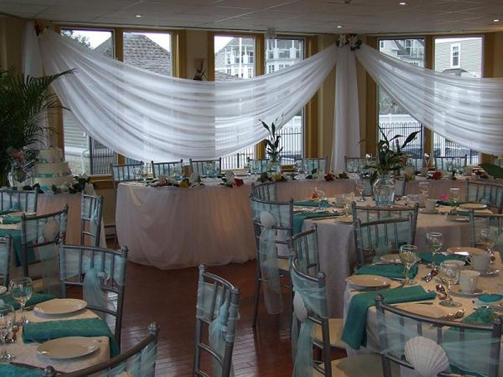 Tropical Wedding Table Set up